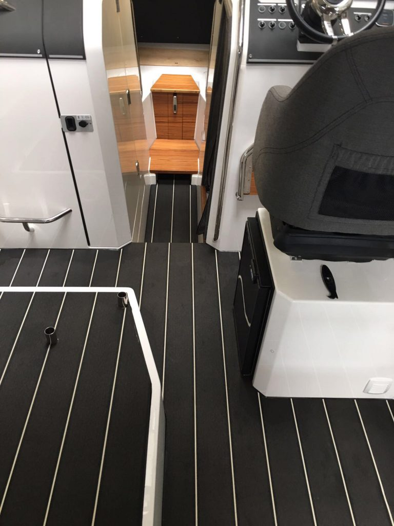 Flexiteek 2G in Carbon with white caulking