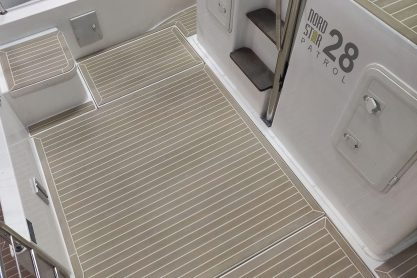 Nord Star 28 Patrol with a Flexiteek 2G deck in Faded with white caulking